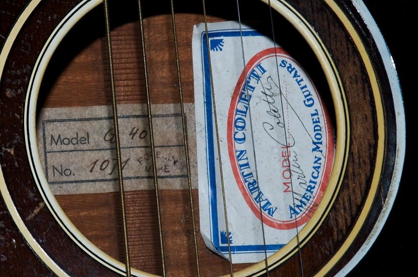 Martin Coletti G40 guitar soundhole and label
